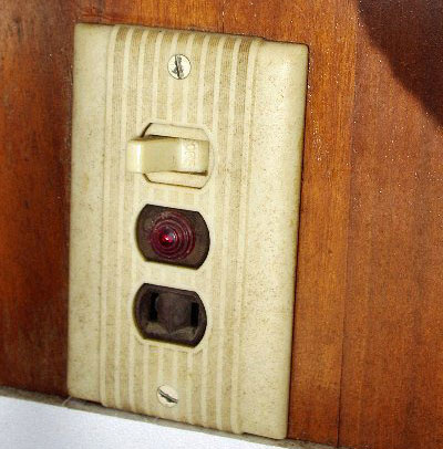 Boat Wiring: Two Prong AC Outlets