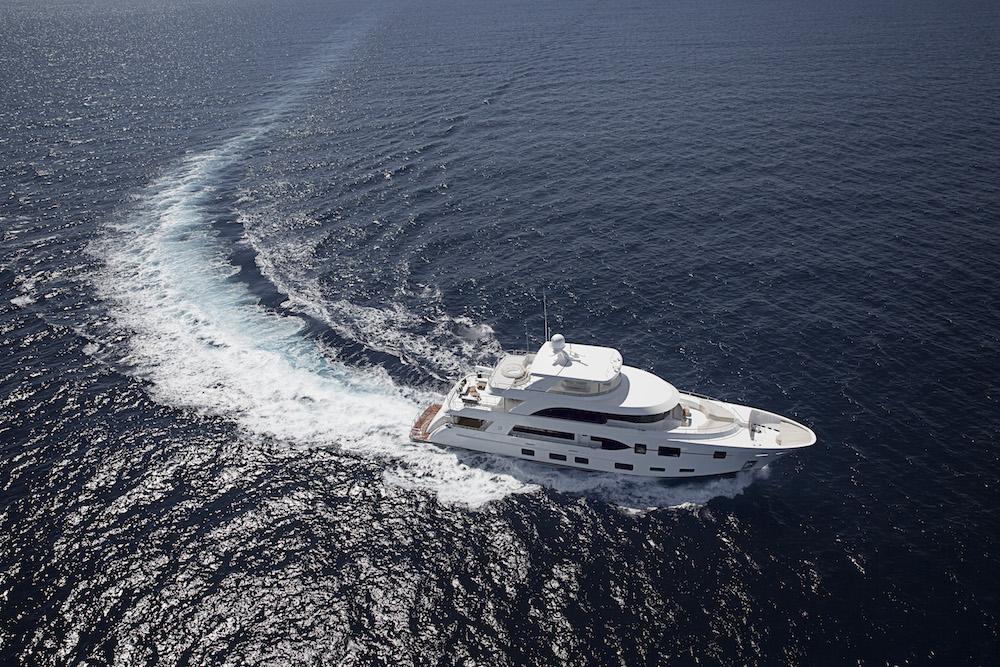 Ocean Alexander 120: Drawing Crowds Among the Yachts at Miami thumbnail