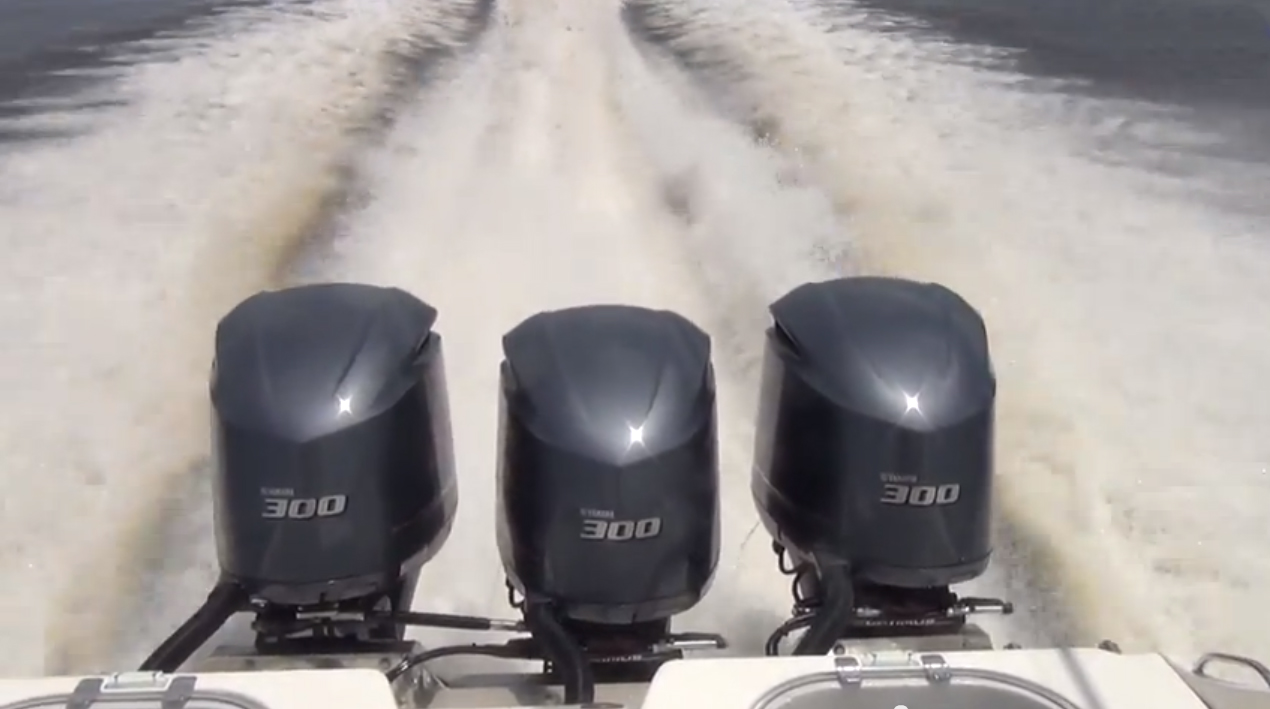 Triple Yamaha F300s Blow Past 70mph