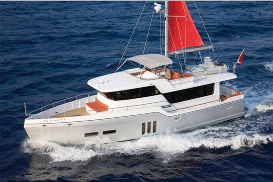 Winner, Displacement boats: Allure Garcia GT54