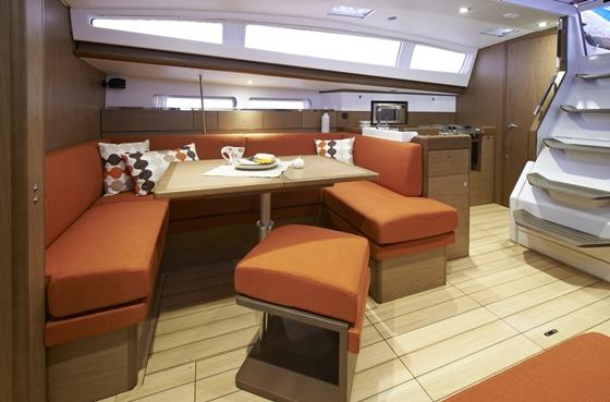 Jeanneau Sun Odyssey 41DS interior