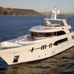 Ocean Alexander 120: Drawing Crowds Among the Yachts at Miami