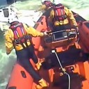 How to stop a speeding powerboat-RNLI lasso