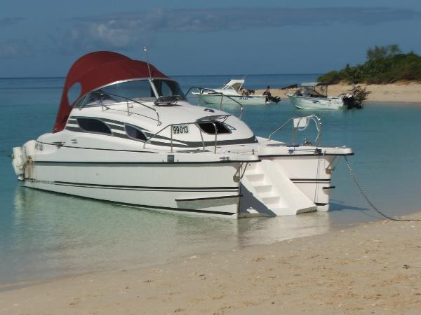 bond yachts