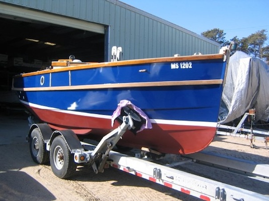 Exposing fresh paint on a 24-foot Cornish Crabber at Sail Chatham