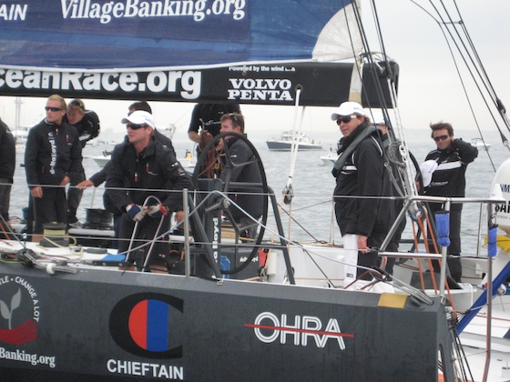 Between races, the Delta Lloyd crew came past our Fjord 40 for a look.
