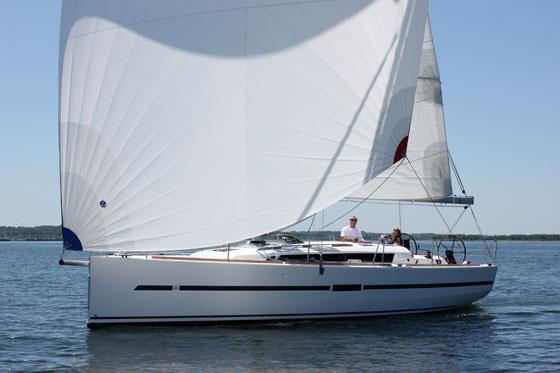 dufour-36-sailing-laurie-cronin