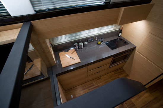 fairline-squadron-42-galley