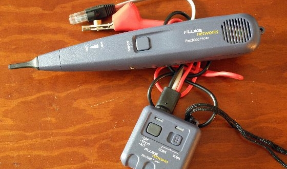 The Fluke Pro3000 Analog Tone and Probe