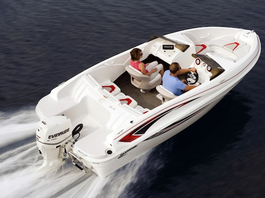 Glastron's new outboard-driven SSV 170 costs less than the stern-drive versions.