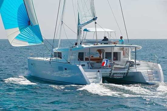 lagoon450-sailing2