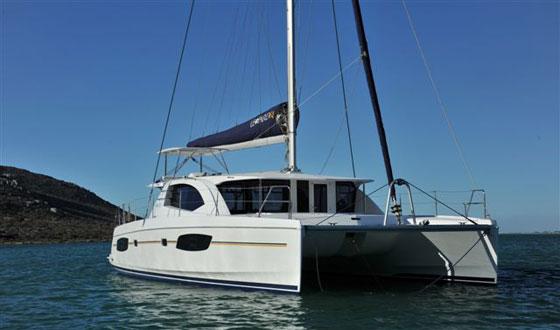 leopard-44-boat-interiors-day-053