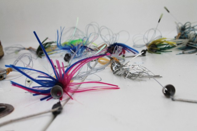 different color fishing lures