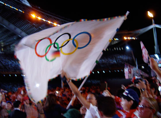 Olympic flag waving at the closing ceremony in Athens 2004
