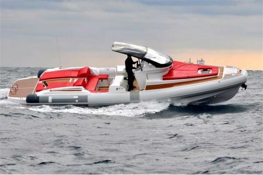 The Pirelli Pzero brings European design to the world of inflatable megayacht tenders.