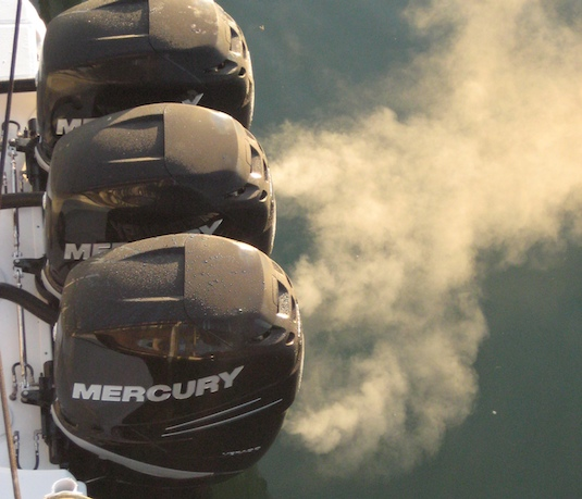 Three Mercury Verado 300s get warm.