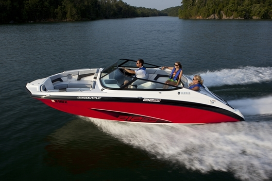 All-new 21-foot models from Yamaha are four inches longer than the boats they replace, and feature a swooping new sheer line. This 212SS model is powered by twin 1.8-liter engines.